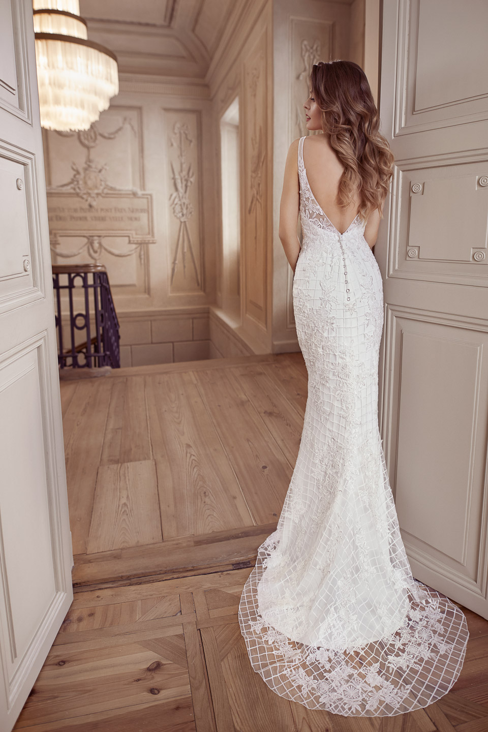 Elisabeth Grace menyasszonyi ruha 9439EG b